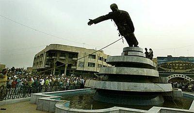 Saddam_statue2